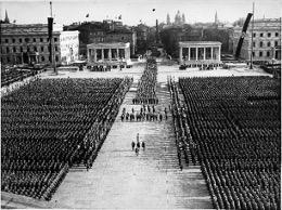 Königsplatz 1935