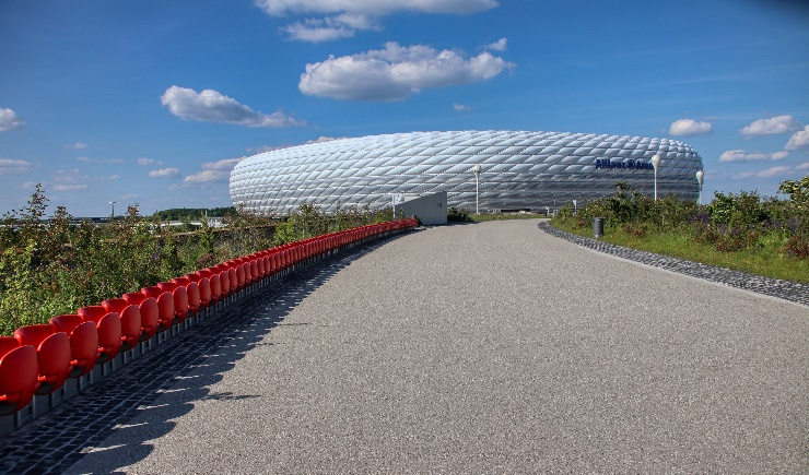 Fan access to the Allianz Arena in summer
